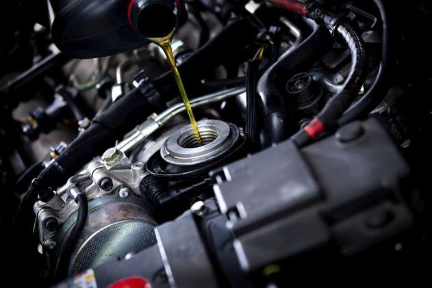 do you need a torque wrench to change oil