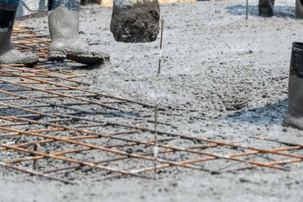 Can you pour concrete in the rain